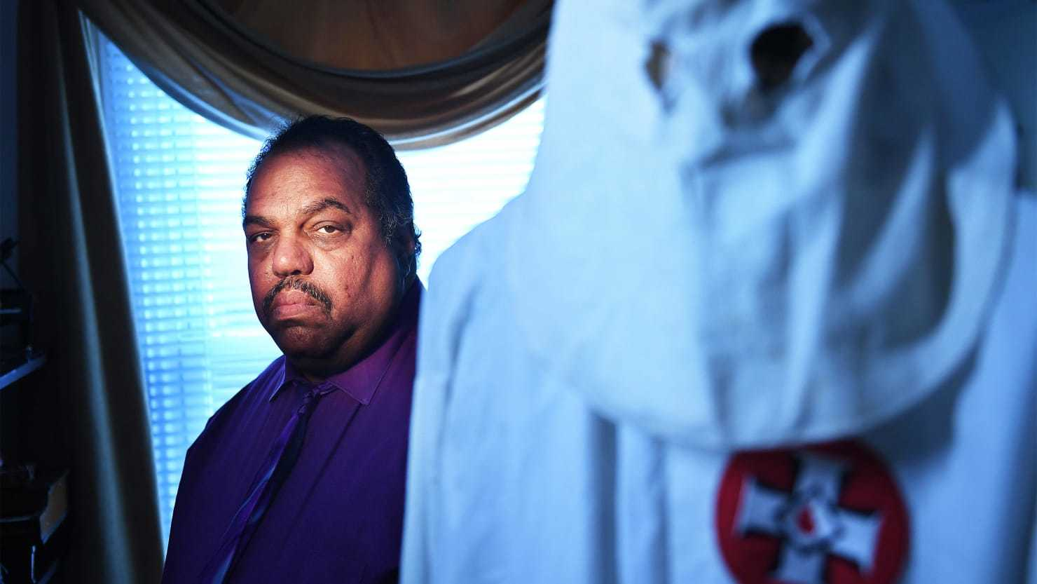 """The Curious Case of Daryl Davis, the Black Man Befriending Members of the KKK"""